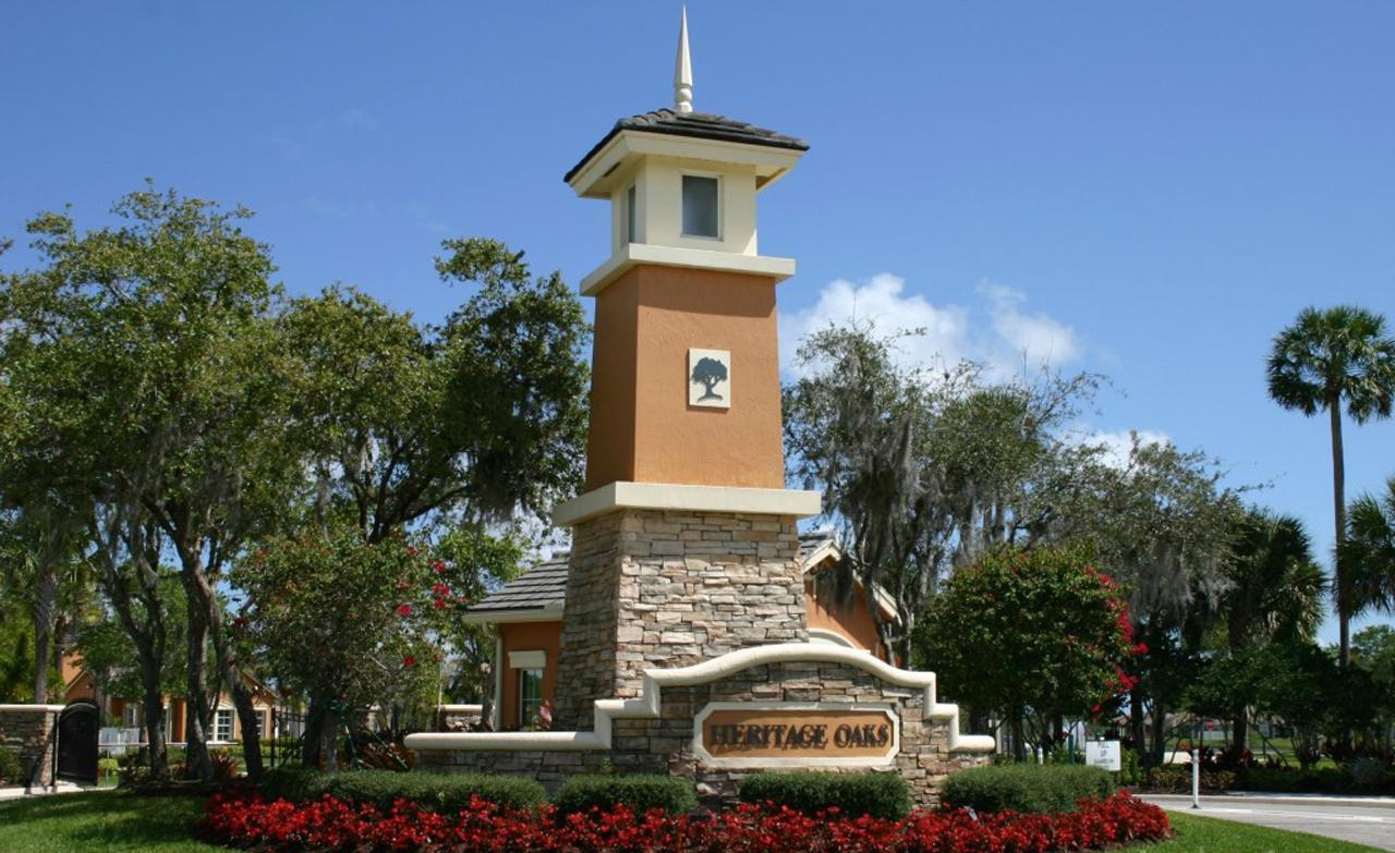 Jupiter In Oaks >> Heritage Oaks Homes For Sale | Tequesta Real Estate