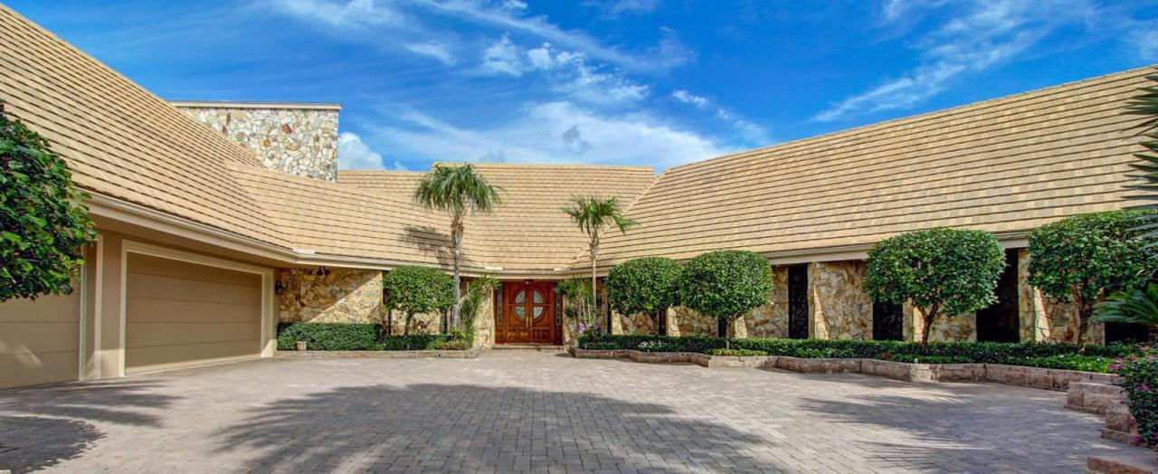 Palm Beach Gardens Golf & Country Club Homes. Coventry Homes for Sale at PGA National