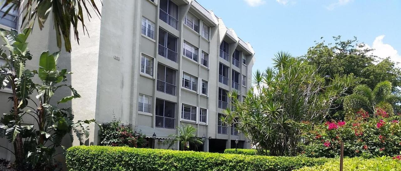 Spencer Place Condo for Sale